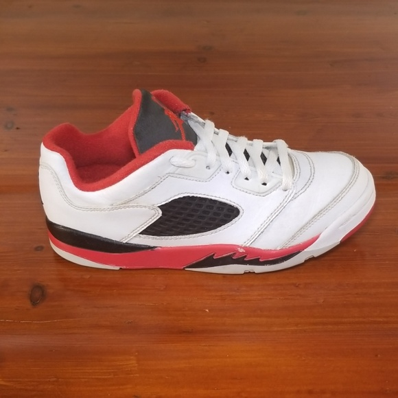 wholesale dealer ef916 6ed48 Nike Air Jordan 5 Retro Low Black/Red.